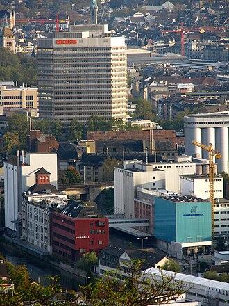 Gewerbeschule (Zürich) - Limmatplatz with Migros building, seen from Waidberg
