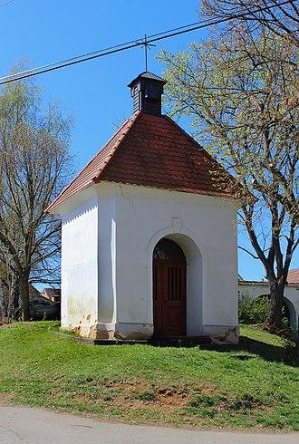 Únehle - Image: Únehle, chapel