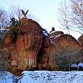 Красные камни в Кисловодском парке. Орел - символ Кисловодска - panoramio.jpg