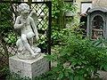 """На могиле четырех женщин - известная скульптура Э.М .Фальконе с надписью """"Наш мальчик"""".jpg"""