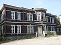 Первая в Новониколаевске двухэтажная школа. 1900 г.jpg