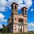 Церковь Михаила Архангела в Порошино. Центральный вход.jpg