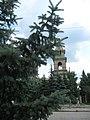 Церковь сквозь еловые ветви - panoramio.jpg