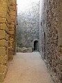 046 Castell de Montsoriu, pati del recinte sobirà.jpg
