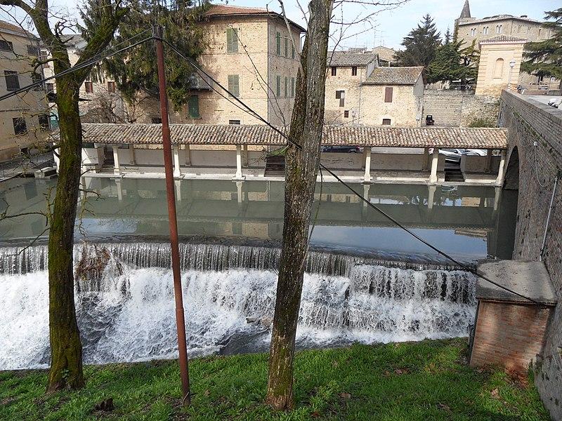 File:06031 Bevagna PG, Italy - panoramio (6).jpg