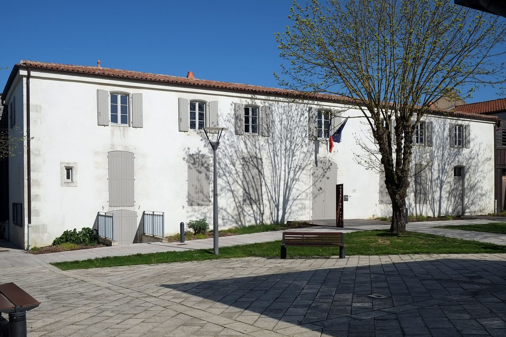 Hotel Dompierre Sur Mer