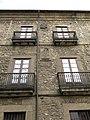 142 Casa Bordiú-Cienfuegos, pl. Jovellanos 3 (Cimavilla, Gijón).jpg