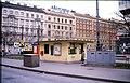 183L24250289 Wartehaus Strassenbahnhaltestelle Franz Josefs Bahnhof, Linie D.jpg