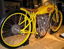 Cyclone board track racer uit 1914