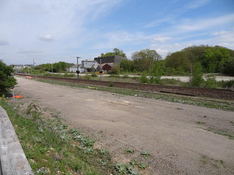 Sortie de la gare de Louverné (Mayenne) en direction de Laval