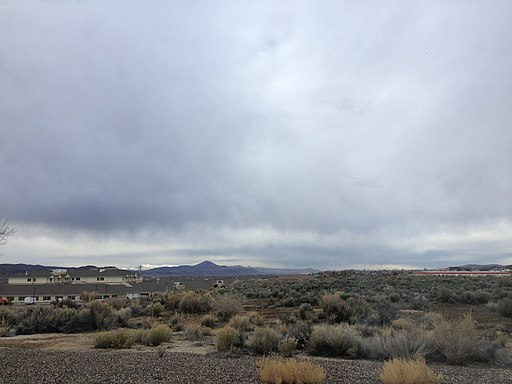 2014-03-10 08 47 44 Stratus clouds and virga in Elko, Nevada