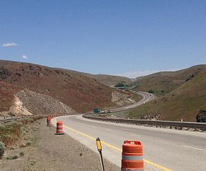 Interstate 80 in Nevada - I-80 eastbound on the approach to Emigrant Pass