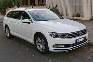 Volkswagen Passat - Image: 2015 Volkswagen Passat (3G MY16) 132TSI station wagon (2015 11 11) 01