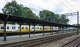 2016 Dworzec kolejowy w Strzelinie, druga wiata peronowa 1.jpg