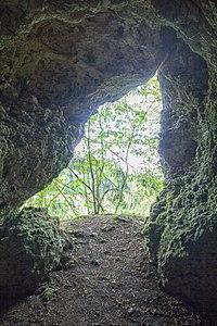 2016 Höhle beim Felslindl 04.jpg