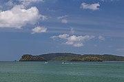 2016 Prowincja Krabi, Widoki ze statku płynącego na trasie Ao Nang - Ko Lanta Yai (01).jpg