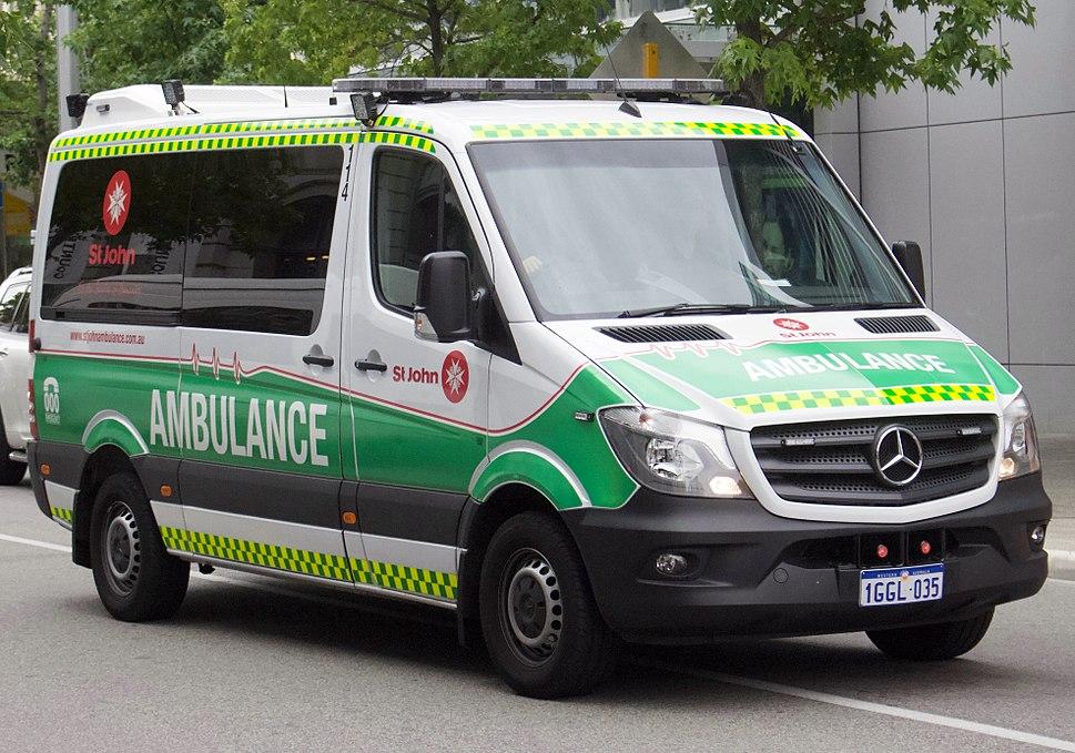 2017 Mercedes-Benz Sprinter (W 906) 313 CDI MWB van, St John Ambulance (2017-12-09)