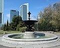 2019 Warszawa plac Defilad, fontanna, 1.jpg