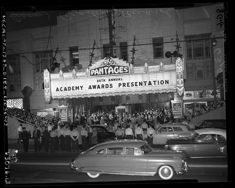 26th Annual Academy Awards at RKO Pantages Theater in Los Angeles, 1954
