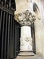 277 Seu de la Caixa de Sabadell, columna amb capitell d'Eusebi Arnau.jpg