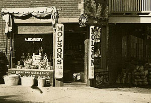 Molson Brewery - Store in Montreal with advertising for Molson Brewery, 1910