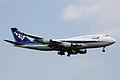 ANA B747-400(JA8098) (3980347352).jpg