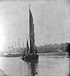 A view across the New Cut at Ipswich with an unidentified spritsail barge under sail leaving (4343899730).jpg