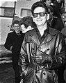 Aankomst Roy Orbinson (Amerikaanse zanger) op Schiphol Roy Orbinson, Bestanddeelnr 917-5746.jpg