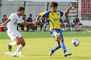 2008–09 I-League - Image: Abhishek Yadav of Mumbai FC Samir Naik of Dempo SC I league Goa 13 Feb 2009