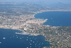 Aerial photograph of Antibes Juan-les-Pins (1).jpg