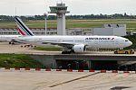 Air France, F-GSPA, Boeing 777-228 ER (28436121486).jpg