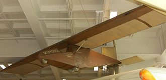 Hannover H 1 Vampyr - The Vampyr exhibited in the Deutsches Museum, Munich. It has the 1922 wing warping tips and the 1923 extended rudder.