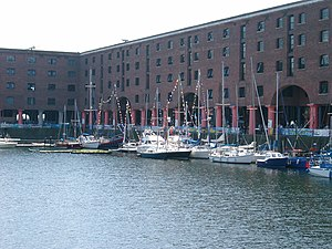 Albert Dock, Liverpool - 2003-06-13 (1).JPG