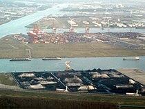Amsterdam Noordzeekanaal Afrikahaven Amerikahaven Westhaven luchtfoto.JPG