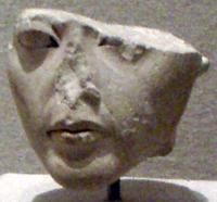ملكات مصر 200px-Ankhesenpaaten-StatuetteHead_BrooklynMuseum