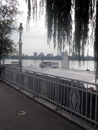 Harvestehude - View over the Außenalster