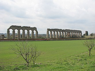 Aqueduct near Rome - Image: Aqua Claudia 05