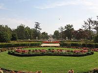 Aranjuez JardinParterre CoronaFloral.jpg