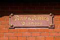 Architekten Riesle & Rühling Hinweis als Sandsteinschild an der Leinstraße 25 Hannover.jpg