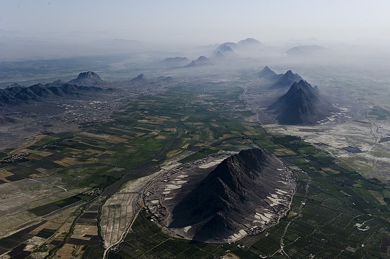 پرونده:Arghandab River Valley between Kandahar and Lashkar Gah.jpg