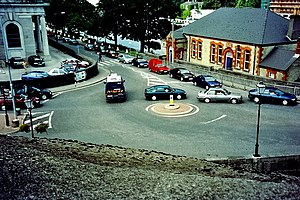 Luan Gallery - View of roundabout, with Luan Gallery building at upper right
