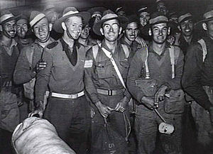 Demobilisation of the Australian military after World War II - Members of the first party of five year veterans to return to Sydney in August 1945