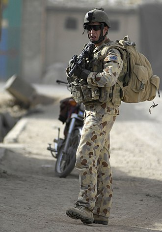 Disruptive Pattern Camouflage Uniform - An Australian soldier wearing DPDU in Afghanistan. He utilises the latest version of the DPDU uniform.