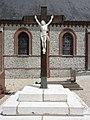 Auzouville-l'Esneval (Seine-Mar.) croix du cimetière.jpg