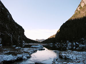 Conservation in the United States - Image: Avalanche Lake, looking south