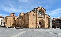 Avila - Iglesia San Pedro 01.jpg
