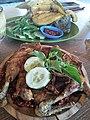 Ayam Penyet dan Ikan Gurami Goreng.jpg