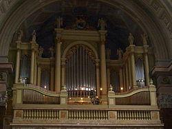 Az egri bazilika orgonája.jpg