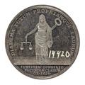 Baksida av medalj med bild av kvinnogestalt hållandes en lagerkrans och en vågskål samt text - Skoklosters slott - 99521.tif