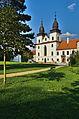 Bazilika sv. Prokopa - boční pohled, Třebíč.jpg